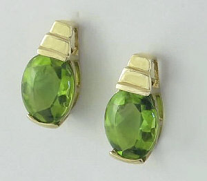 Yellow Gold Peridot Earrings