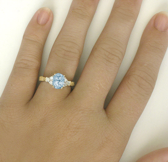 Aquamarine Ring in Yellow Gold with Engraving GR 1129