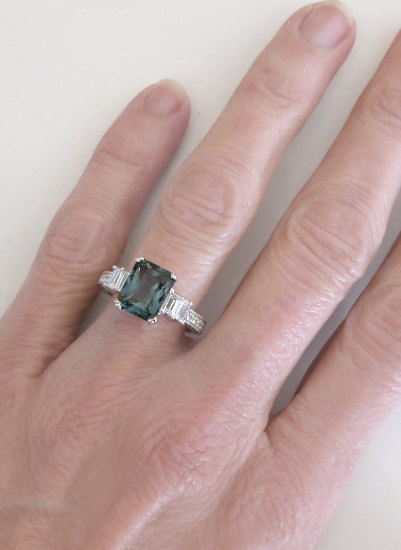 Green Sapphire Rings With Engraving On The Sides Gr 5986