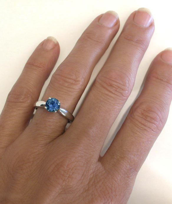 sapphire solitaire rings in 14k white gold gr 5944. Black Bedroom Furniture Sets. Home Design Ideas
