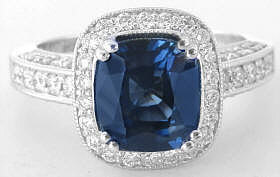 Cushion Sapphire Ring in 18k