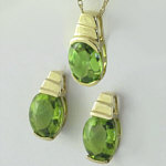 Peridot Earring and Pendant Set in 14k yellow gold