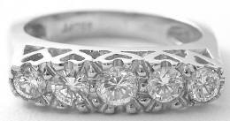 0.80 ctw Diamond Ring in Platinum with Heart Gallery