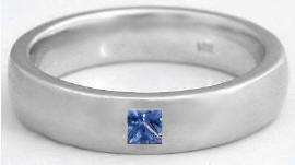Men's 0.15 ct Princess Cut Blue Sapphire Wedding Ring in 14k