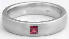 Men's 0.22 ct Princess Cut Garnet Wedding Band in 14k gold (6mm band)