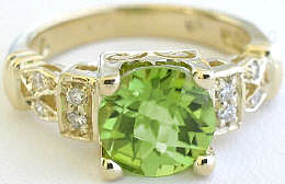 Peridot Rings in yellow gold