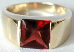 Garnet Tank Ring in 14k Yellow Gold